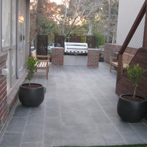Paving and outdoor area – Eltham